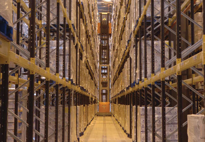 Pallet Racking Picture - Norrow Aisle Link 51 Racking
