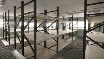 Industrial longspan shelving solutions